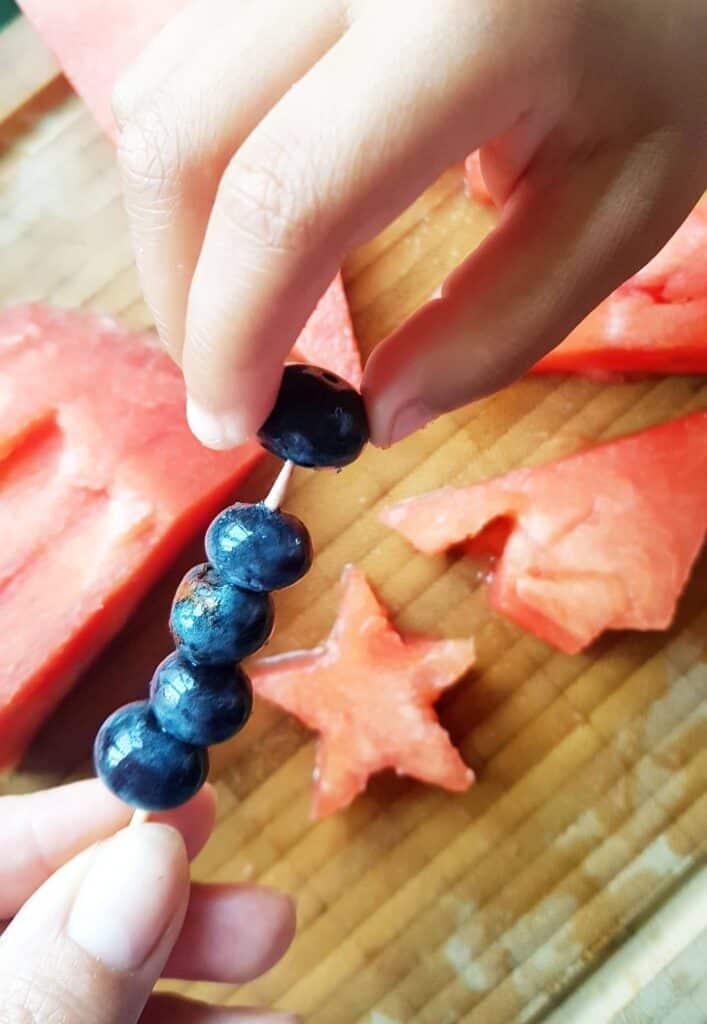 preparing blueberries for fruit sprakler