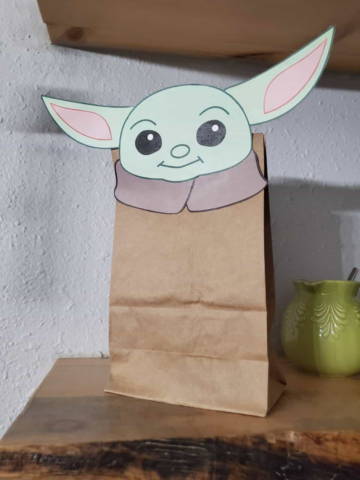 DIY Baby Yoda Goodie Bag