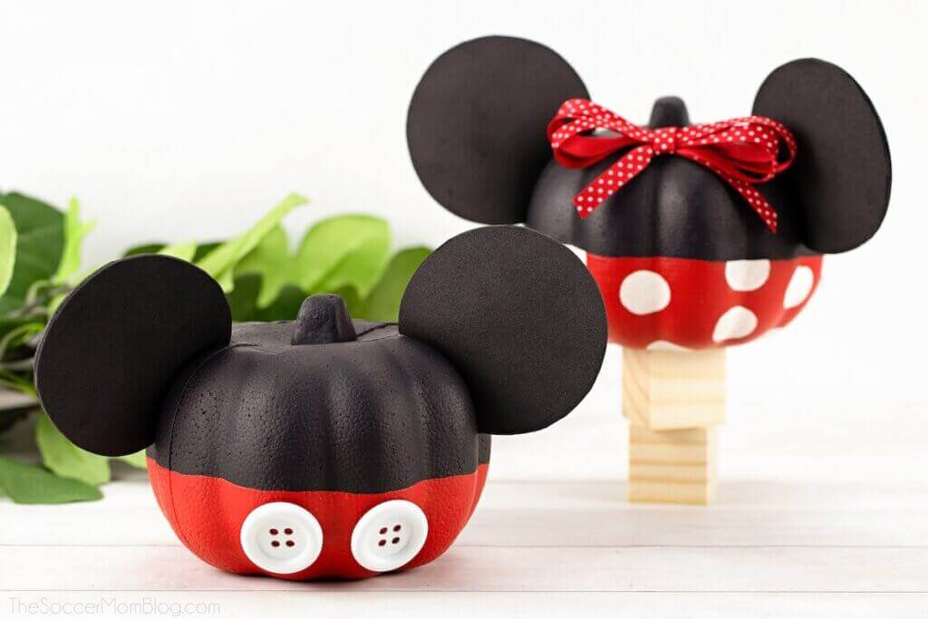 Micky and minnie mouse no carve pumpkin decorating idea